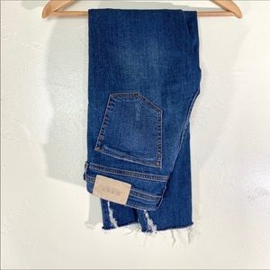 Zara raw hem crop ankle skinny jeans size 4